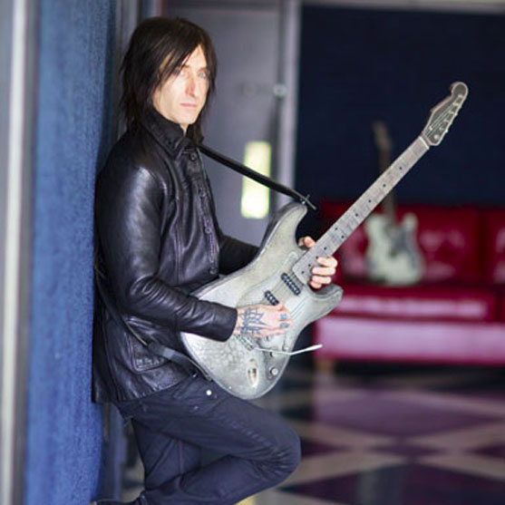 4tus com - The Official Website Of Richard Fortus